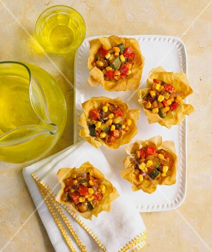 Filo pastry baskets with vegetable filling