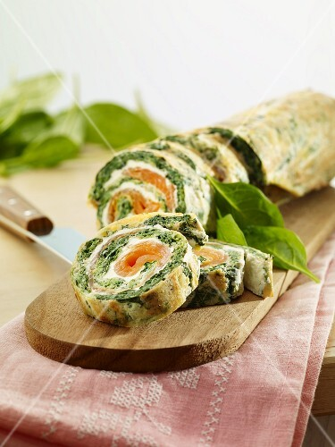 Spinach roulade with smoked salmon