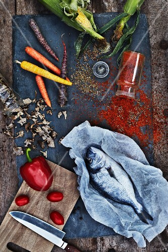 Corncob , Red pepper, Dorade Fish, Dried mushrooms, Carrots, Paprika, Peppercorns