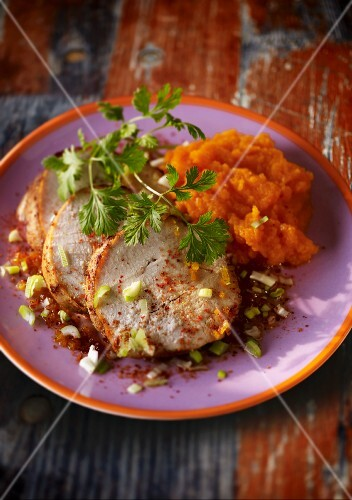 Roast turkey with carrot pur