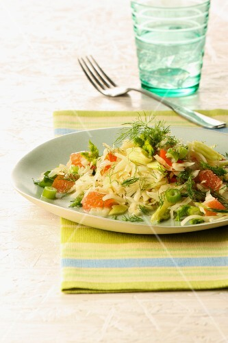 Sauerkraut salad with fennel and grapefruit