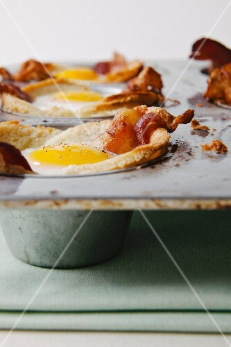 Bacon and eggs in muffin tin