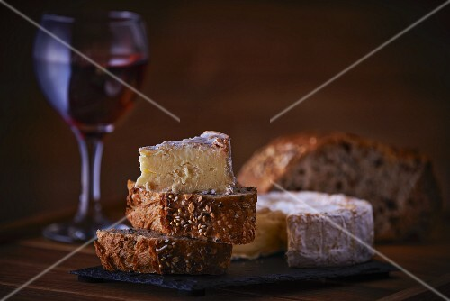 Camembert, bread and red wine