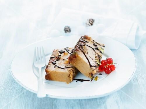 Semolina pudding with pistachios