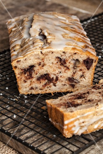 Loaf cake with chocolate and glac