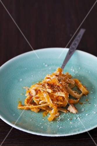 Pasta with roastet pumpkin puree and walnuts