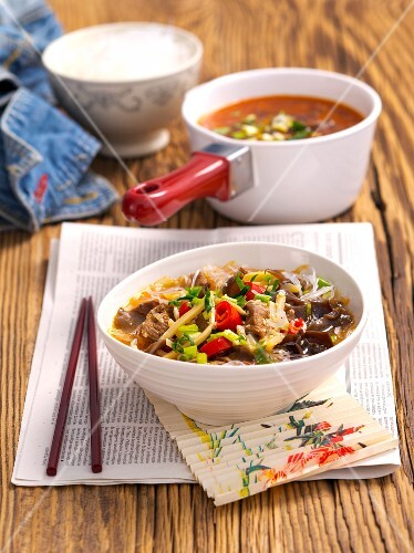 Noodle soup with turkey, mushrooms and bamboo shoots (China)