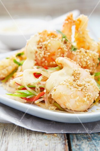 Sesame prawns with glass noodles and vegetables (Asia)
