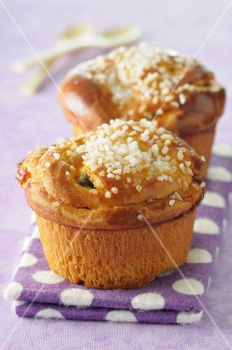 Brioche with crystal sugar and candied fruits