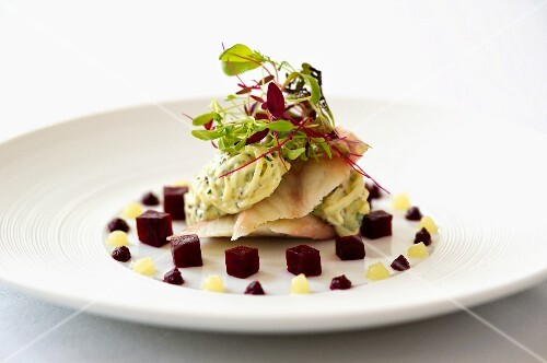 Smoked eel with beetroot and grated apple