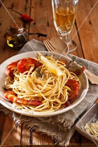 Spaghetti with smoked prawns