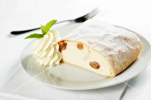 Apple quark strudel with whipped cream