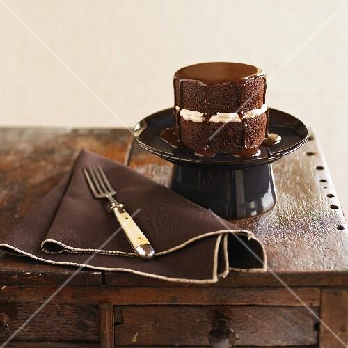 Mini chocolate cake with chocolate glaze