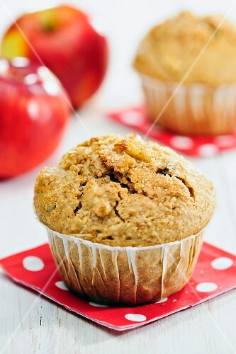 Bran muffins with apple, raisins and cinnamon
