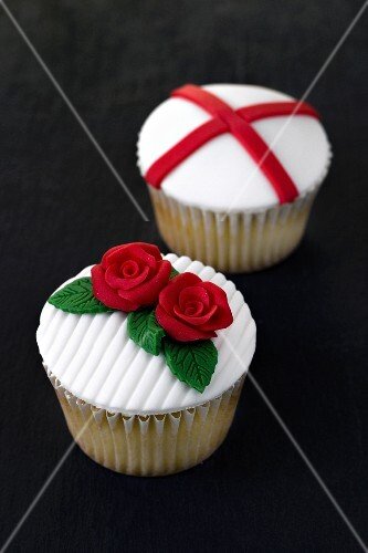 Tea cupcakes for St George's Day