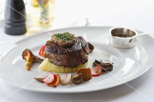 Beef medallion with goose liver