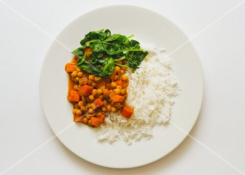 Chickpea curry with spinach and rice