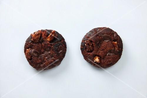 Cookies with caramelised pecan nuts