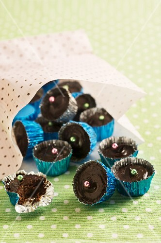 Chocolate eggnog confectionery