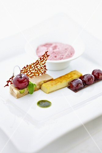Nougat with cherry, crème brûlée and marinated cherries