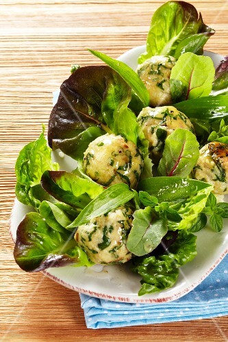 Wild garlic dumplings with lettuce