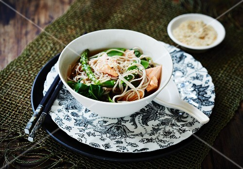 Soba noodle soup with salmon and spices (Asia)
