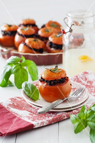 Stuffed tomatoes with black rice and basil