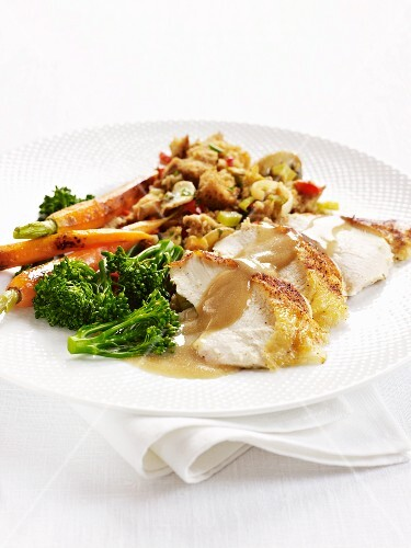Capon with sherry sauce and vegetables