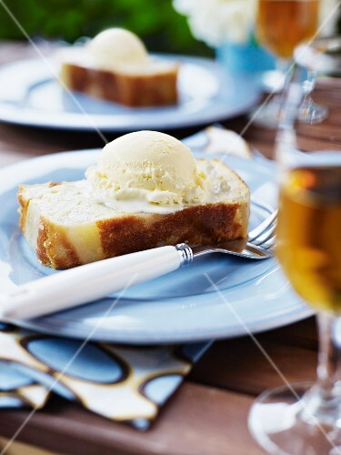 Pear cake with vanilla ice cream