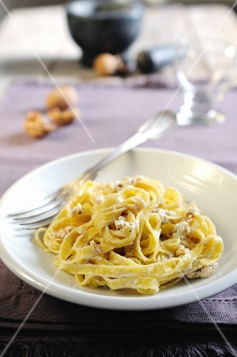 Tagliatelle with a ricotta and walnut sauce