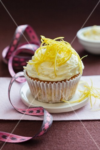A lemon and poppyseed cupcake
