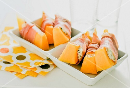 Melon with herb cream cheese and ham