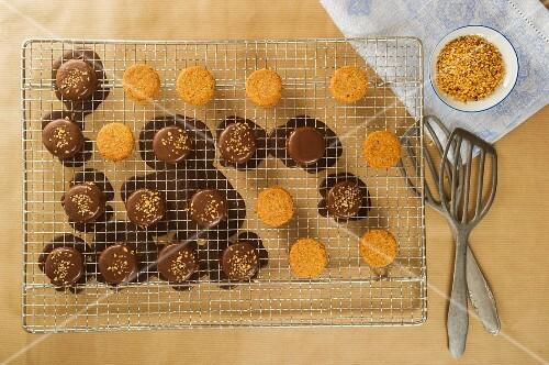 Ischler Törtchen (Austrian cakes) with chocolate glaze for Christmas