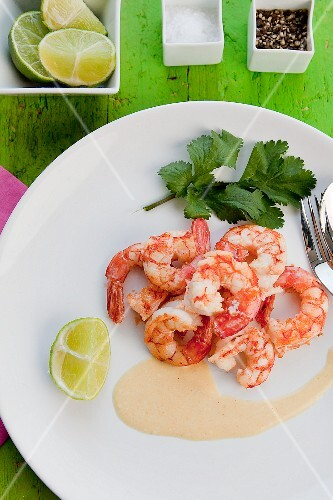 Fried prawns with lime sauce (Brazil)