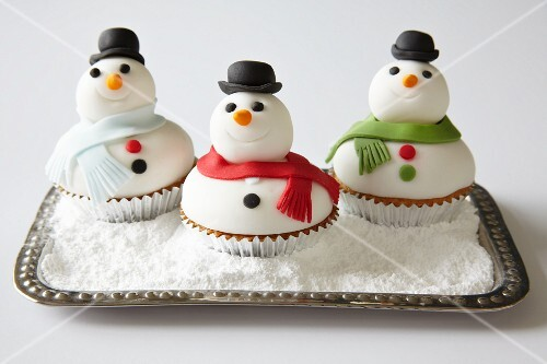 Three snowman cupcakes for Christmas