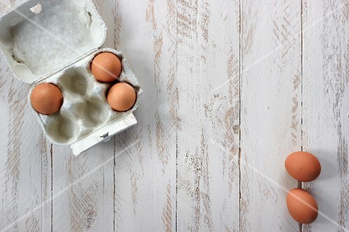 Chicken's eggs with a box