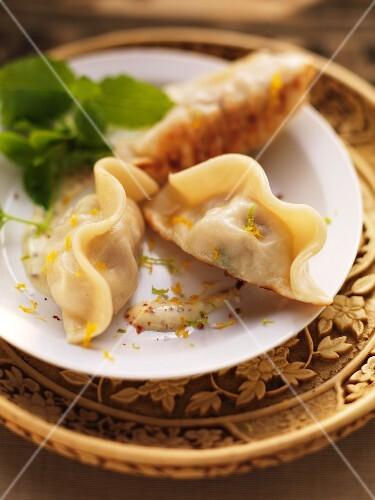 Oriental meat dumplings