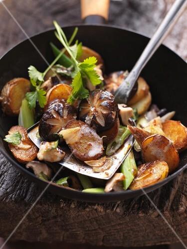 Oriental stir-fry with shiitake mushrooms