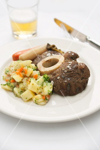 Boiled beef with boulangère potatoes