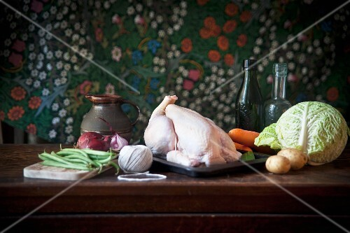 An arrangement of chicken and vegetables