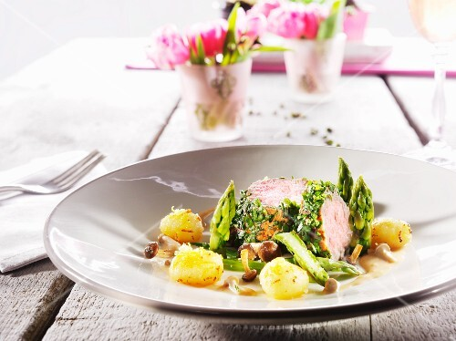 Veal fillet with asparagus and lemon gnocchi