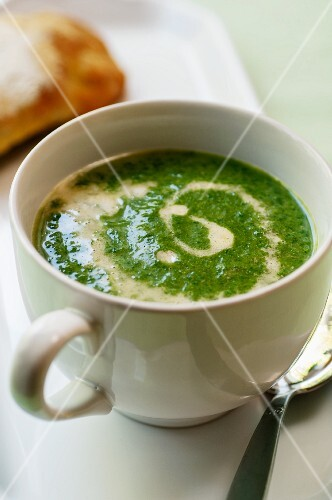 Stinging nettle soup with sour cream