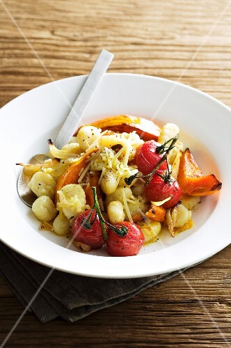 Gnocchi with oven-roasted vegetables