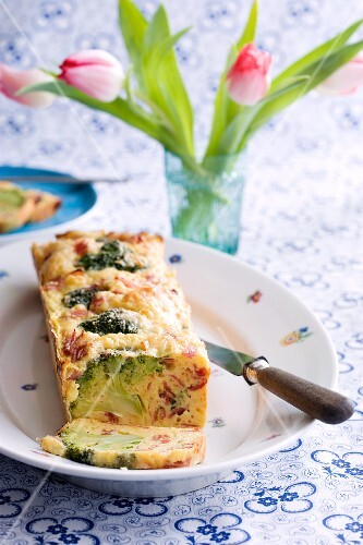 Vegetable cake with ham