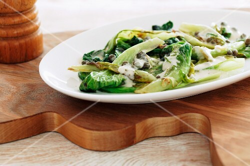 Endive salad with a creamy dressing