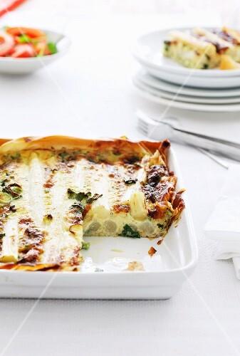 Asparagus tart with leek