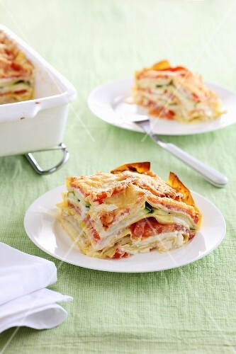 Lasagne with ham, tomatoes and courgette