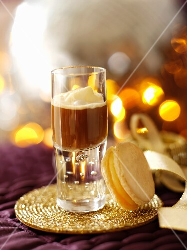 A shot of coffee and a macaroon for Christmas