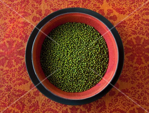 A bowl of mungo beans (seen from above)