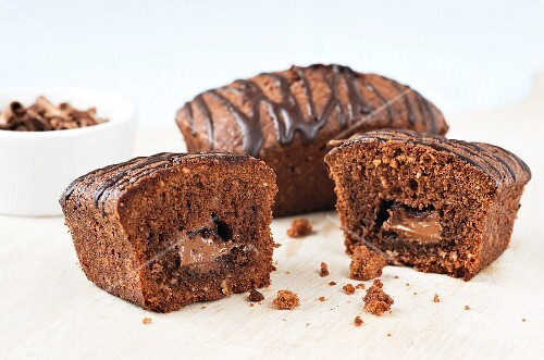 Chocolate nougat cakes, whole and halved